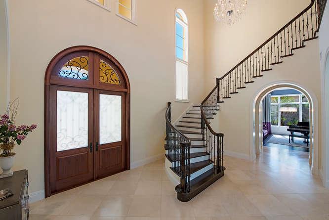 2558-escada-court-naples-fl-small-011-16-foyer-666x445-72dpi