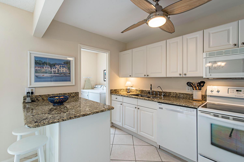 788 Park Shore Dr G21 Naples-large-007-9-kitchen view-1499x1000-72dpi